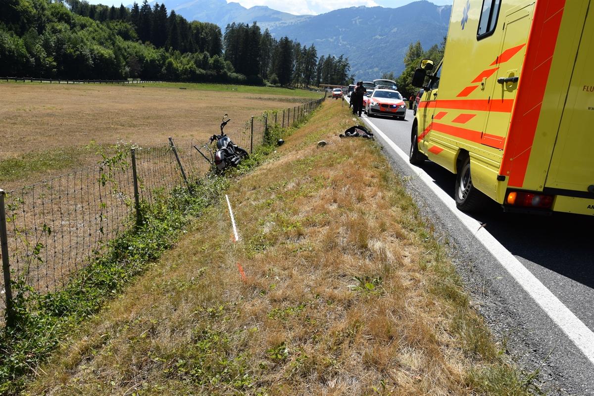 Landquart: Motorradfahrer kollidiert mit Wildschutzzaun