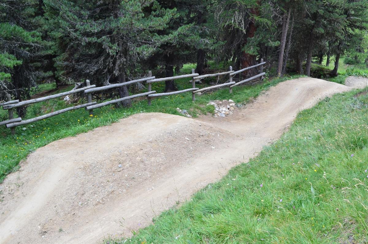 St. Moritz: Bei Downhillabfahrt schwer verletzt