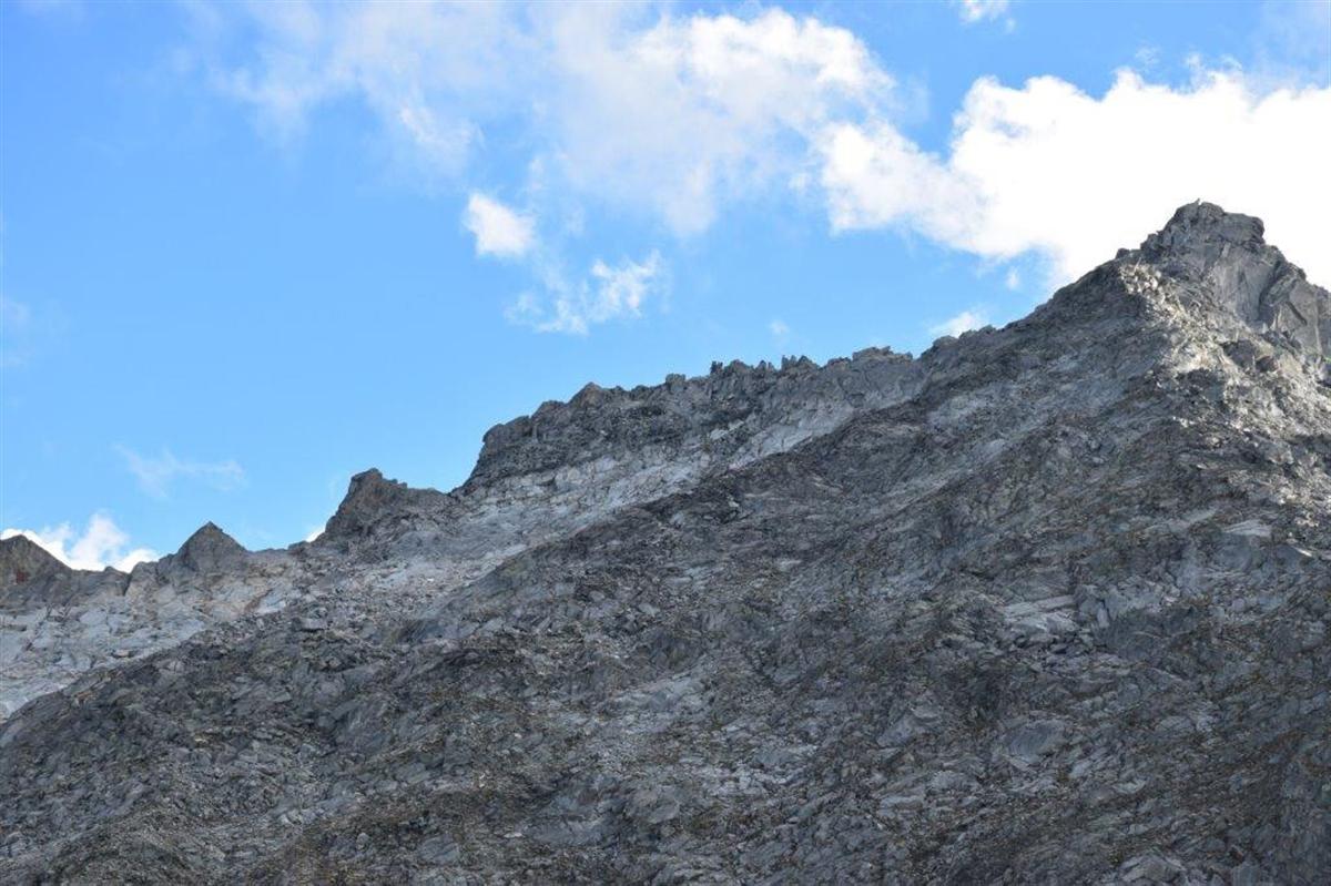 Disentis: Alpinist zwischen Felsbrocken eingeklemmt