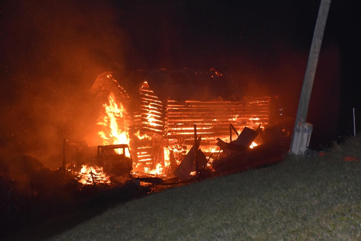 Langwies: Ställe komplett niedergebrannt