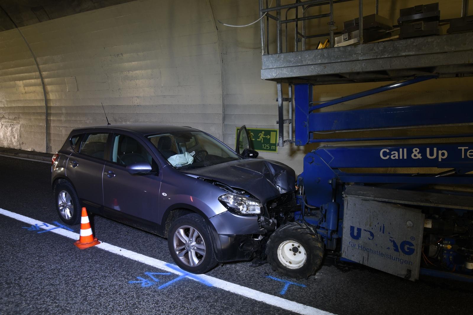 Rongellen: Vier Verletzte nach Unfall in Tunnel