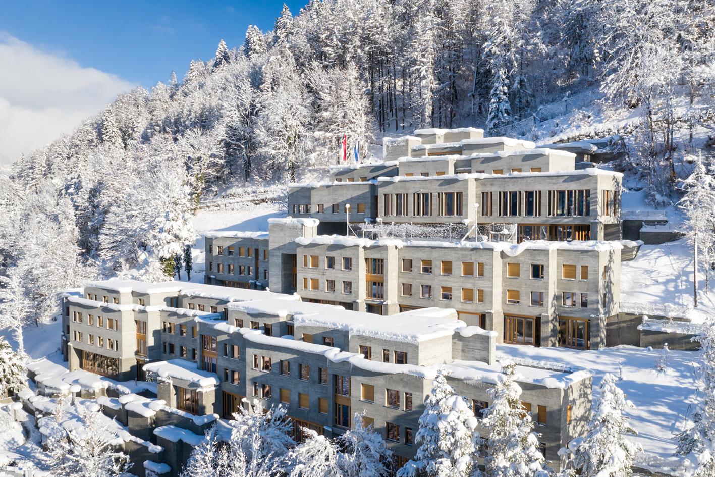 Gebäudebild des Konvikt im Winter